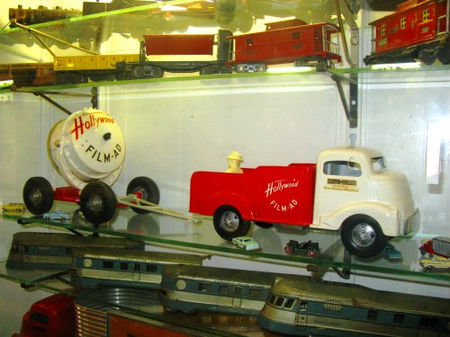 We wrap up our visit to Where The Toys Are with a look at an extrememly cool Hollywood Spotlight truck