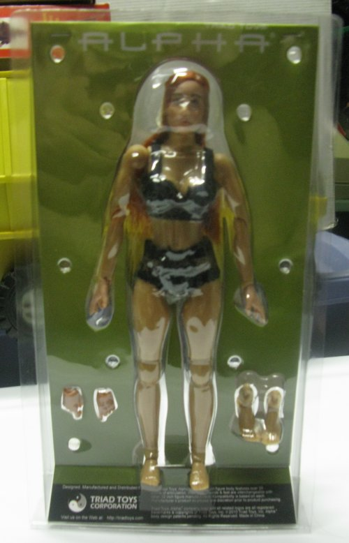 I finally got to meet Chung Kim, and purchased this female figure from the legendary Delta Force Chung!