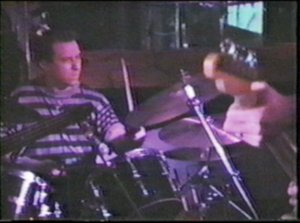 ijohnny-drumming