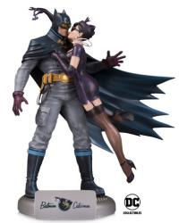 dc_bombshells_batman_catwoman_5a84b7cf4dc2d8-52638998